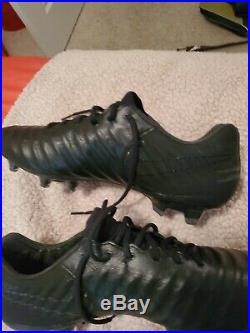 All black nike Tiempo Legend VII Boots