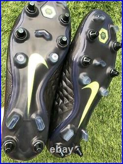 BNWOB Nike Tiempo Legend 8 SG Anti Clog Football Boots. Size 9 UK