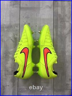 Mens NIKE Tiempo Legend V SG PRO Yellow Cleats Shoes Size US8.5 UK7.5