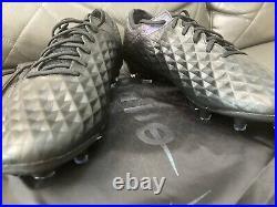 NIKE TIEMPO LEGEND 8 ELITE FG Size 8.5 US ALL BLACK BLACK-BLACK AT5293-010