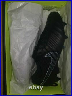 Nike Legend 7 Elite Tiempo Football Boots. Black SG Pro Anti Clog AC UK Size 9
