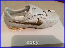 Nike Tiempo Legend V R10 Ronaldinho Touch Of Gold Limited Edition Soccer Shoes