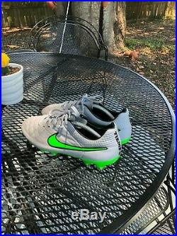 Nike Tiempo Legend V size 10.5 MINT