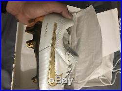 Nike ronaldinho tiempo Legend v 5 Sz 8.5 Super rare Soccer Cleats