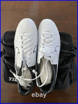 Nike tiempo legend 5. Size 10.5, Rare Black and White
