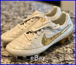 Ronaldinho Nike Tiempo Legend V